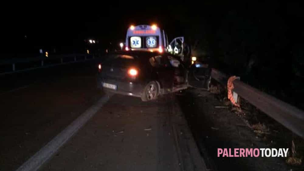 Incidente Sulla Palermo Mazara Auto Contro Il Guard Rail