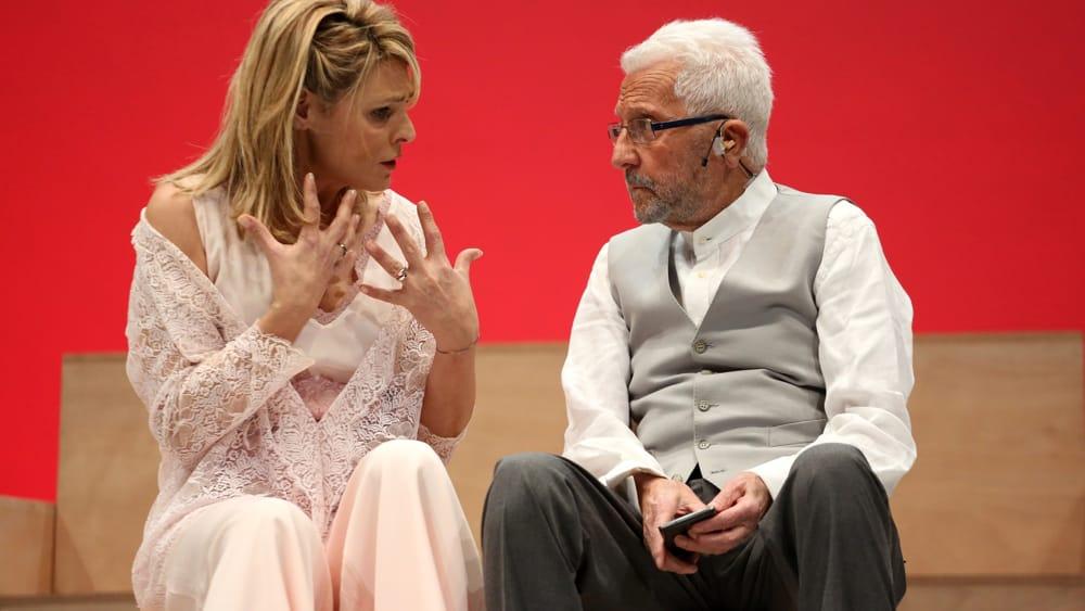 Pino Caruso in Pirandello, l'ultimo spettacolo: 'Non si sa come' sul palco streaming del Biondo