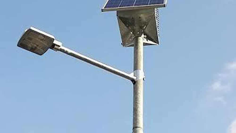 Illuminazione il comune sperimenta: attivato palo fotovoltaico in