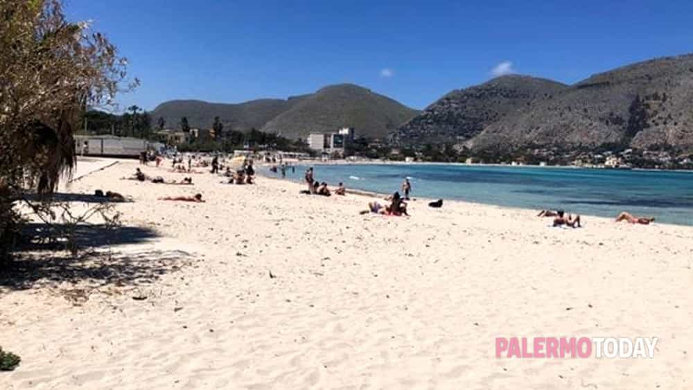 Salviamo Le Spiagge Libere Legambiente Sicilia Lancia Una Petizione