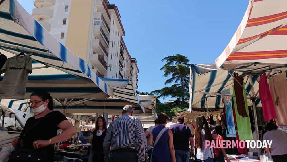 Schiaffo alle misure Covid al mercatino di via Galilei, Orlando: