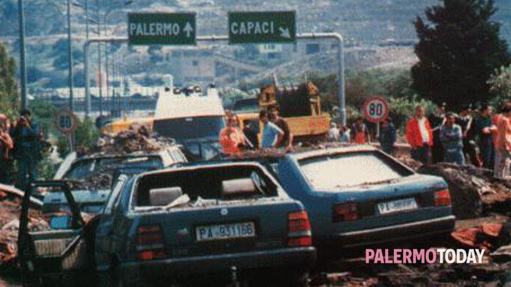Anniversario Falcone, familiari di vittime di mafia: 'Riesumate il dossier appalti'