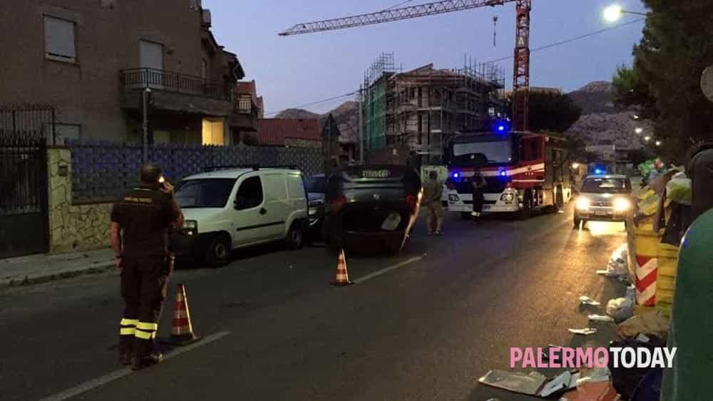 Incidente In Via San Lorenzo Perde Il Controllo Dell 39 Auto