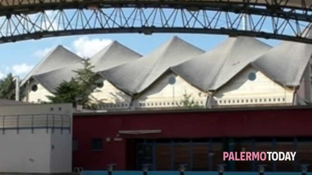 Apre la nuova piscina del centro universitario sportivo di - Piscina chiusa sclafani ...