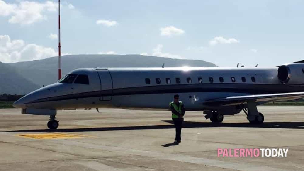 Jet Privato Olbia : Bye palermo dopo giorni rockefeller sale sul suo